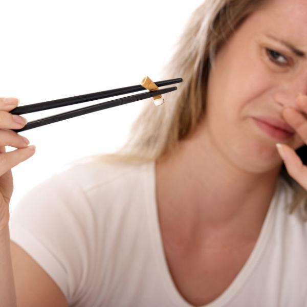 L'odore del fumo dellesigarette al tabacco diventainsopportabile. Perchè ?